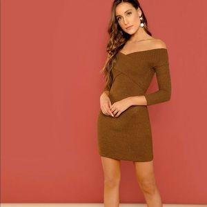Dresses & Skirts - ✨NEW✨Off shoulder bodycon dress